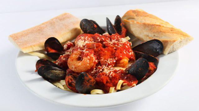 Dinner: Pastas & Specialties